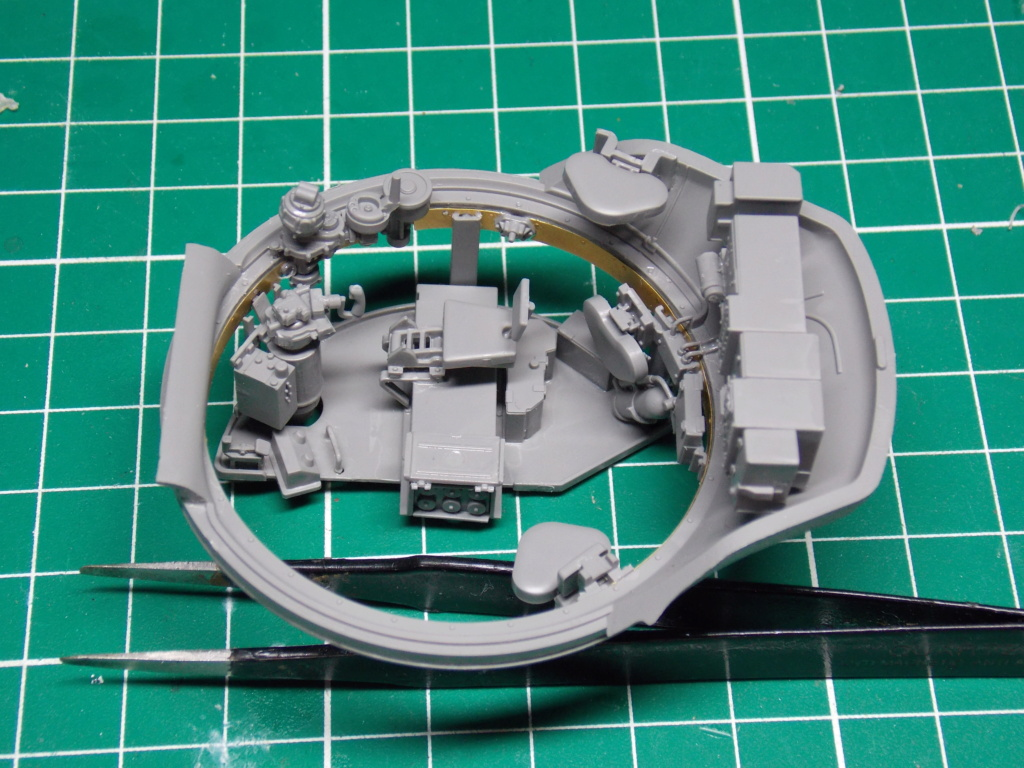 Sherman M4A3 76W HVSS with full interior RFM 1/35 - Page 5 Dscn8544