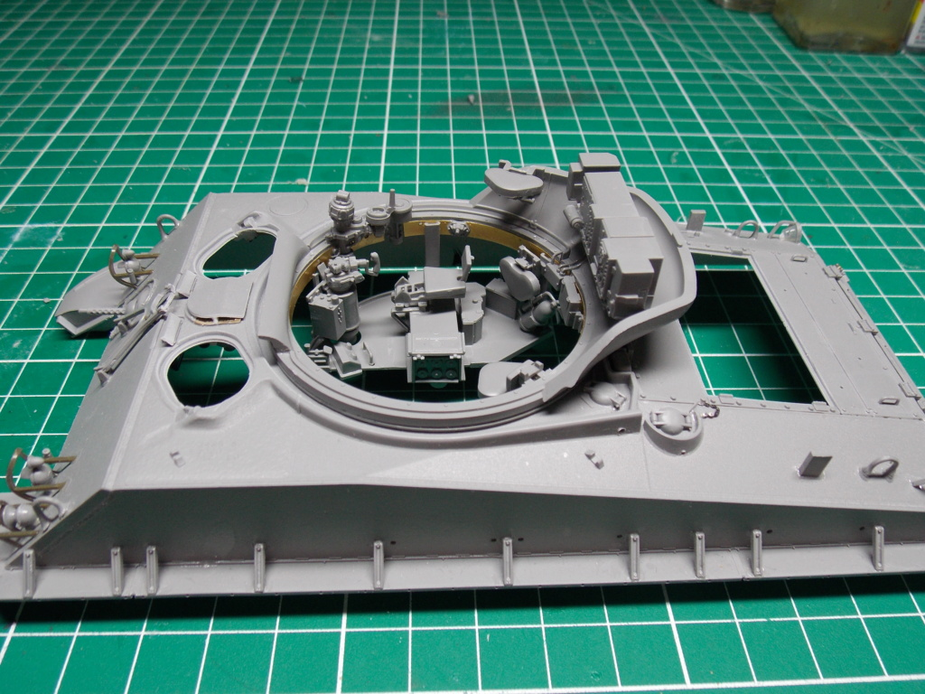 Sherman M4A3 76W HVSS with full interior RFM 1/35 - Page 5 Dscn8545