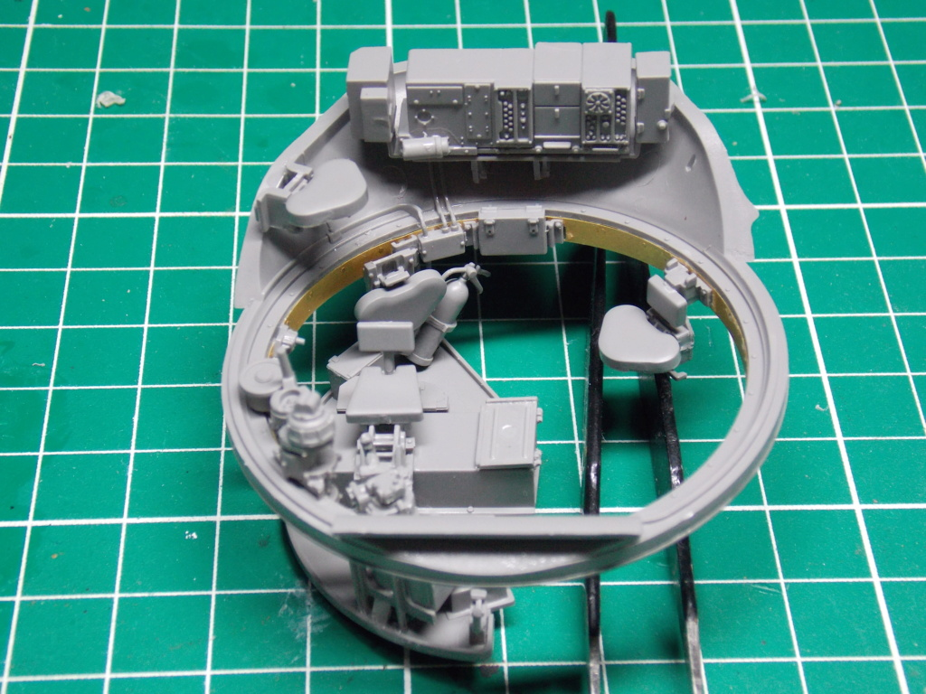Sherman M4A3 76W HVSS with full interior RFM 1/35 - Page 5 Dscn8546