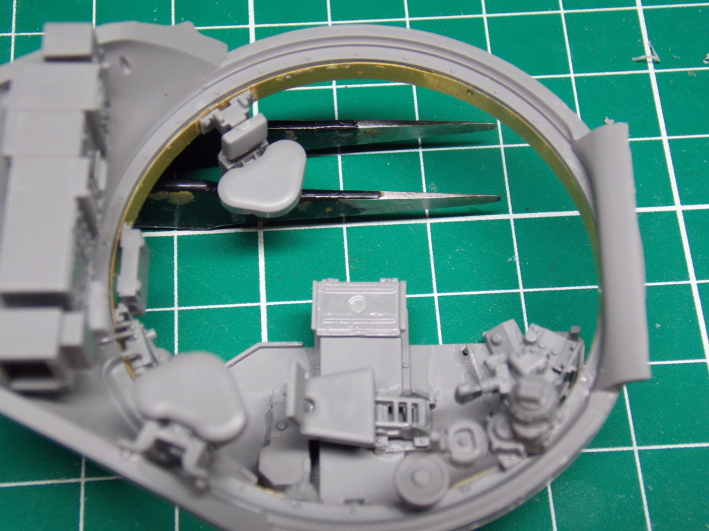 Sherman M4A3 76W HVSS with full interior RFM 1/35 - Page 5 Dscn8548
