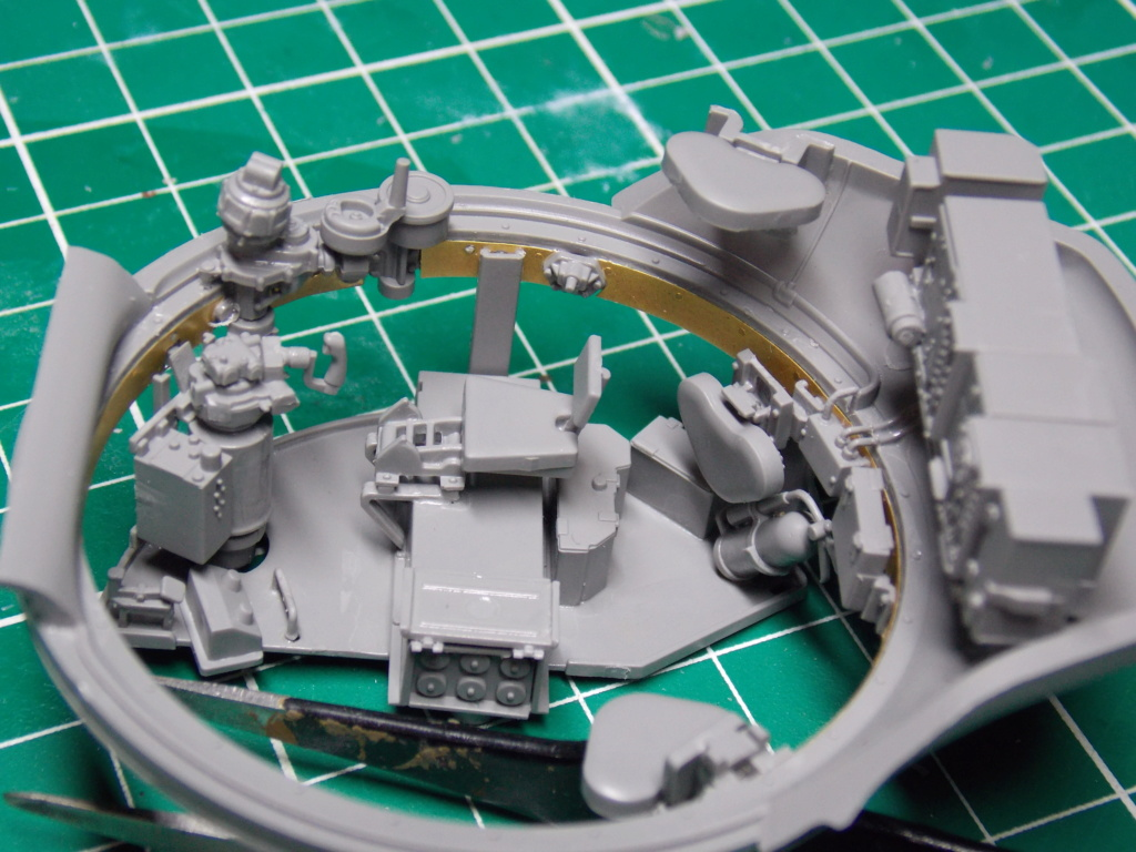 Sherman M4A3 76W HVSS with full interior RFM 1/35 - Page 5 Dscn8549