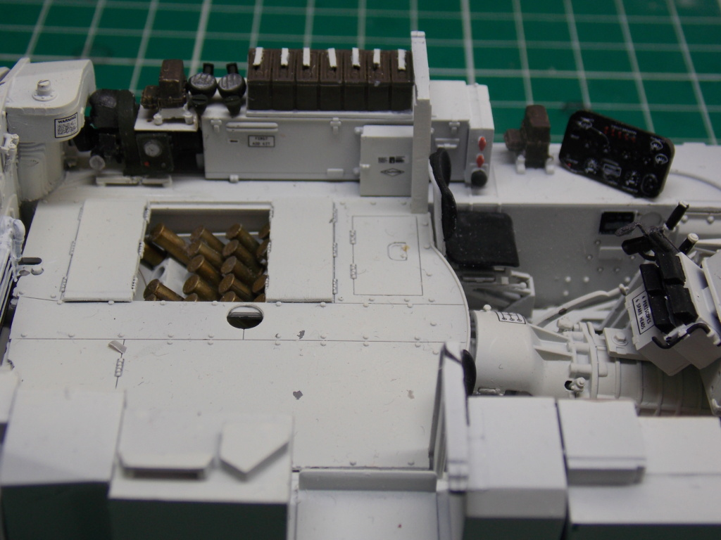Sherman M4A3 76W HVSS with full interior RFM 1/35 - Page 6 Dscn8564