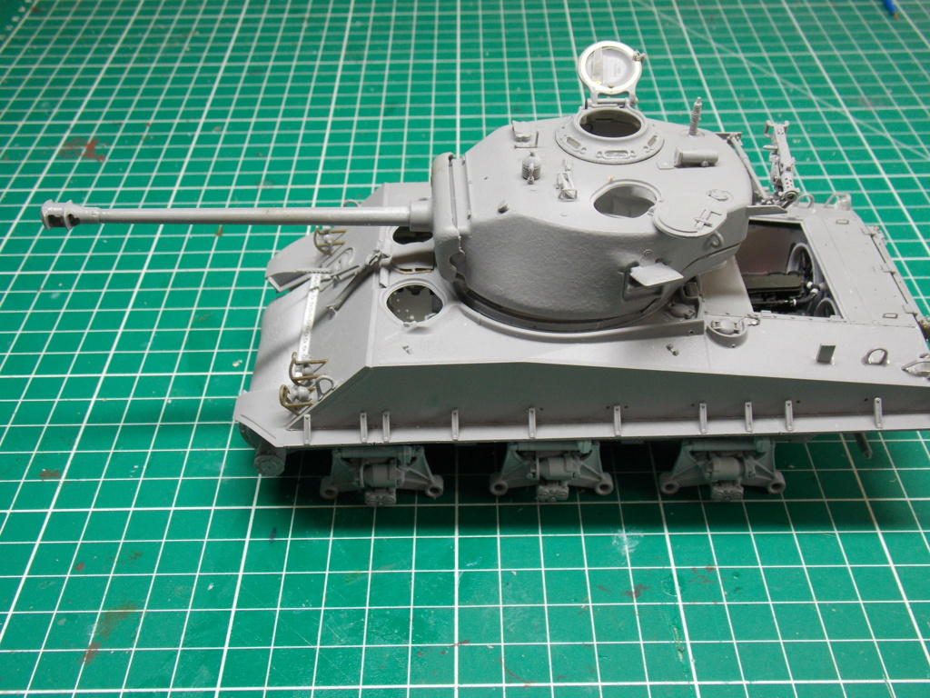 Sherman M4A3 76W HVSS with full interior RFM 1/35 - Page 6 Dscn8570