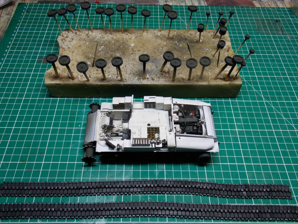 Sherman M4A3 76W HVSS with full interior RFM 1/35 - Page 6 Dscn8584
