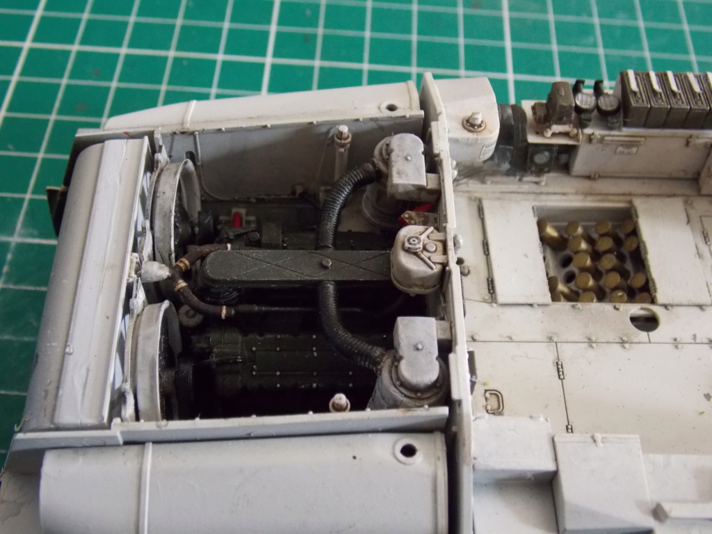 Sherman M4A3 76W HVSS with full interior RFM 1/35 - Page 7 Dscn8593