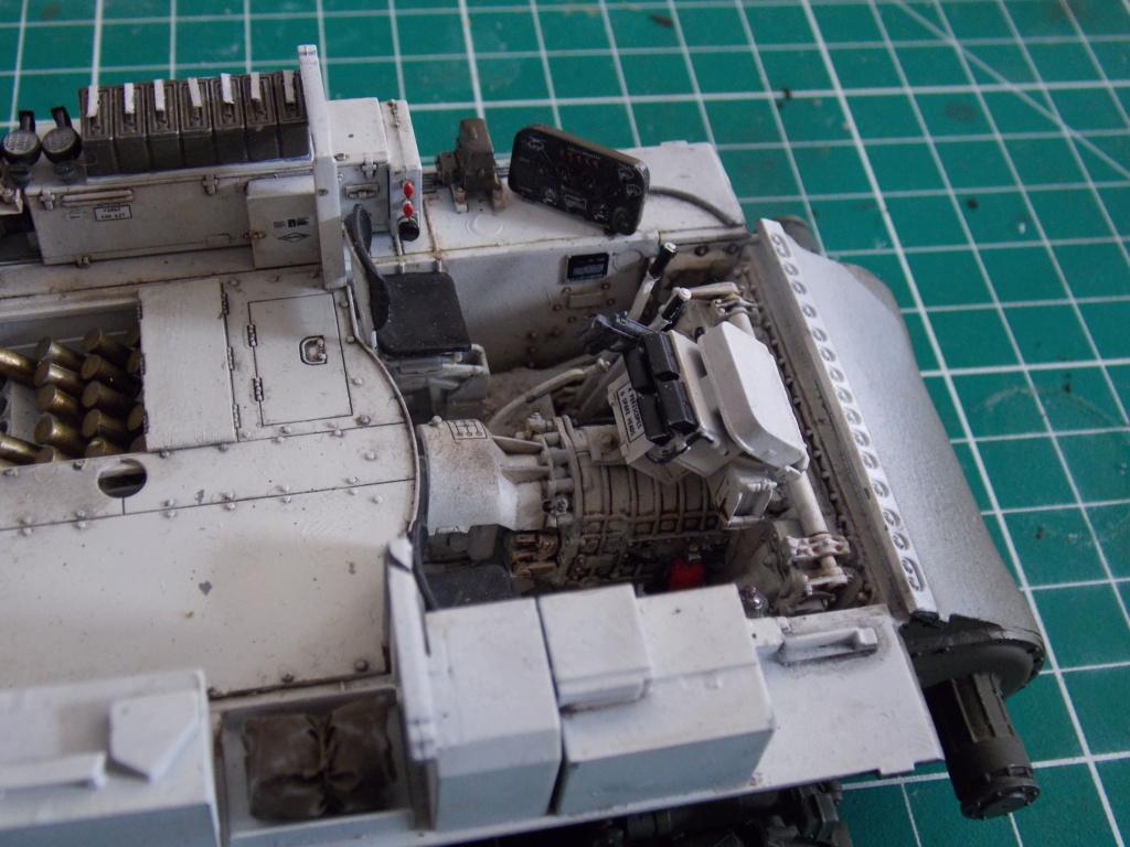 Sherman M4A3 76W HVSS with full interior RFM 1/35 - Page 7 Dscn8595