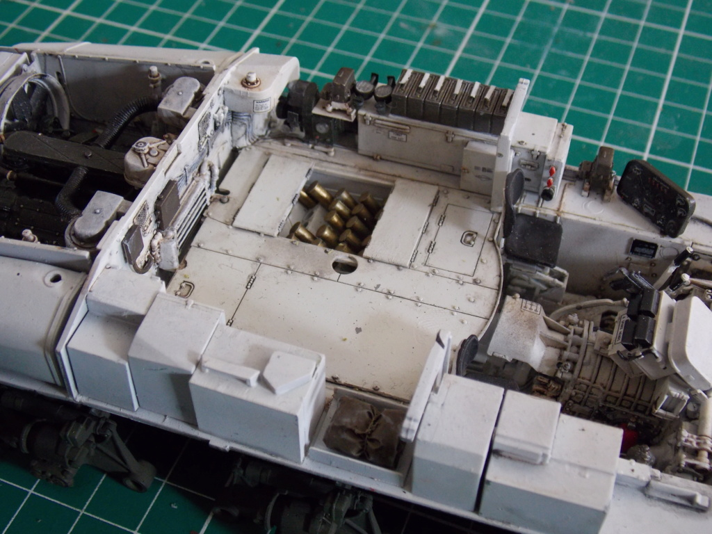 Sherman M4A3 76W HVSS with full interior RFM 1/35 - Page 7 Dscn8596
