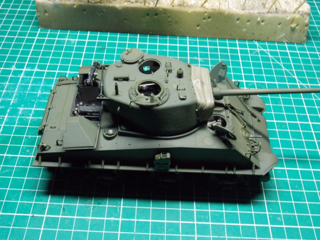 Sherman M4A3 76W HVSS with full interior RFM 1/35 - Page 8 Dscn8618