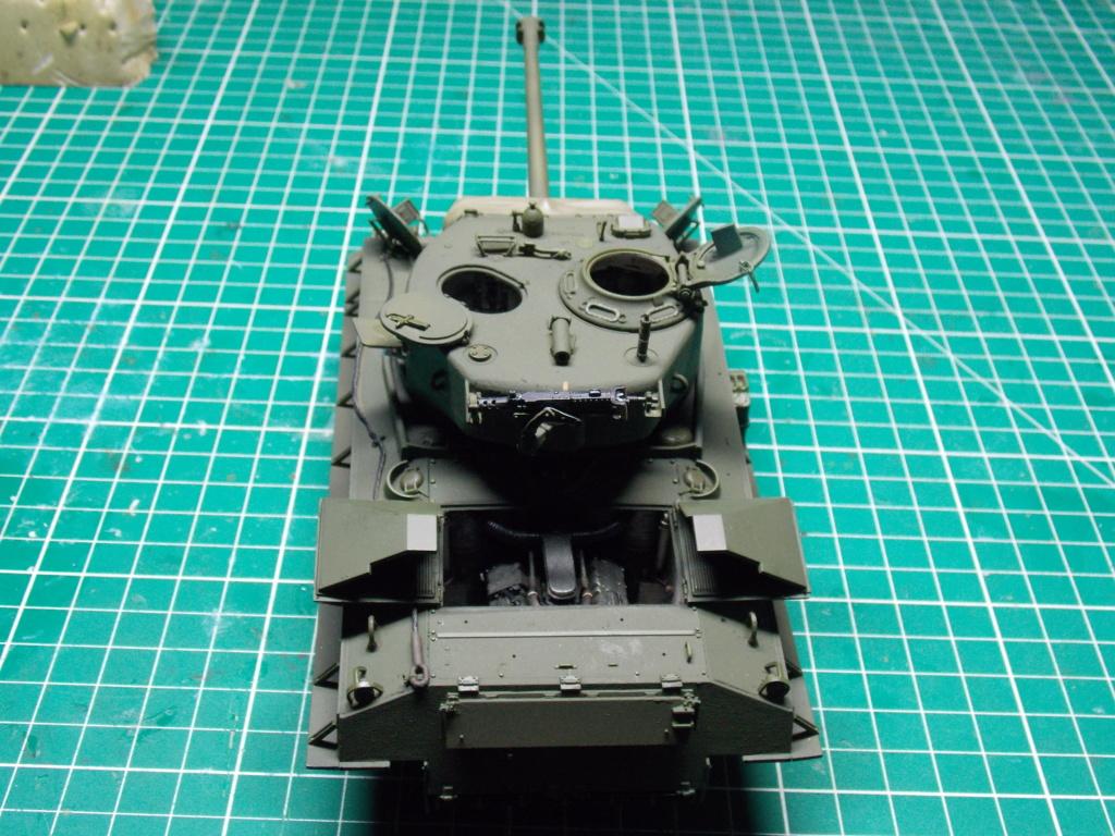 Sherman M4A3 76W HVSS with full interior RFM 1/35 - Page 8 Dscn8620