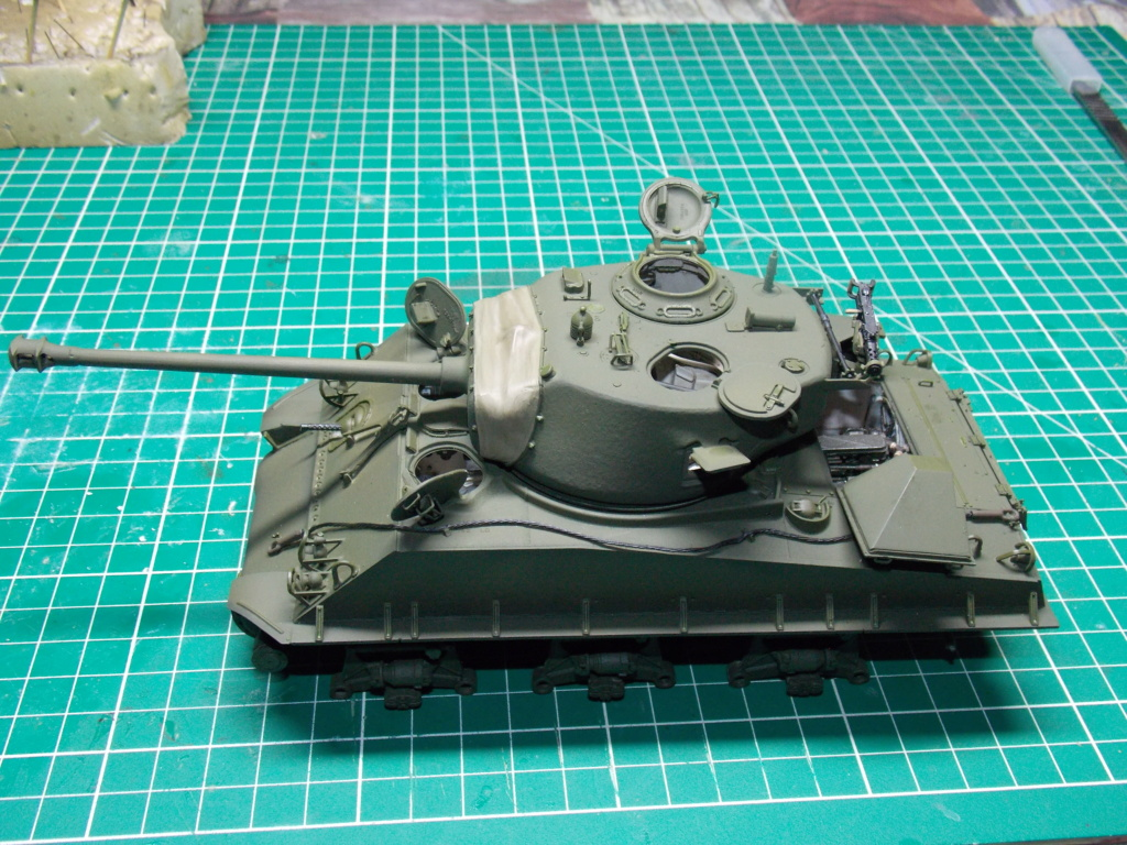 Sherman M4A3 76W HVSS with full interior RFM 1/35 - Page 8 Dscn8621