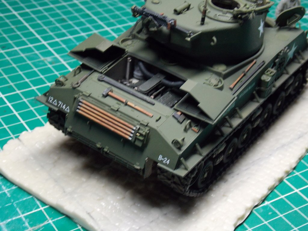 Sherman M4A3 76W HVSS with full interior RFM 1/35 - Page 9 Dscn8637