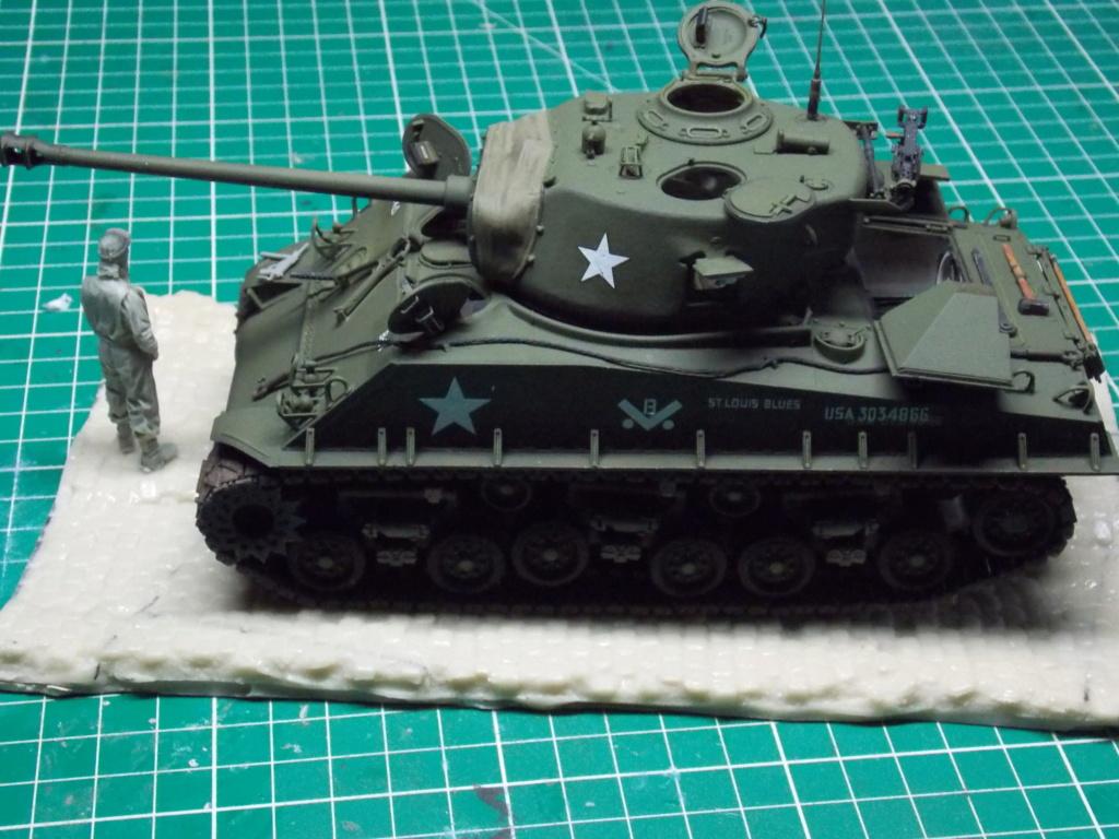 Sherman M4A3 76W HVSS with full interior RFM 1/35 - Page 9 Dscn8638