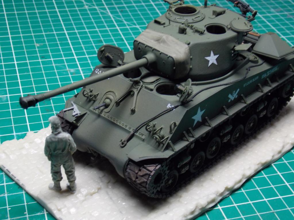 Sherman M4A3 76W HVSS with full interior RFM 1/35 - Page 9 Dscn8639
