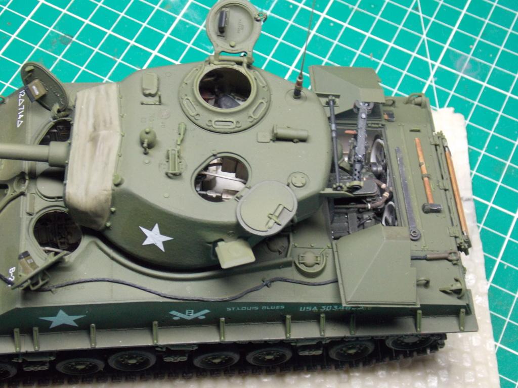 Sherman M4A3 76W HVSS with full interior RFM 1/35 - Page 9 Dscn8641