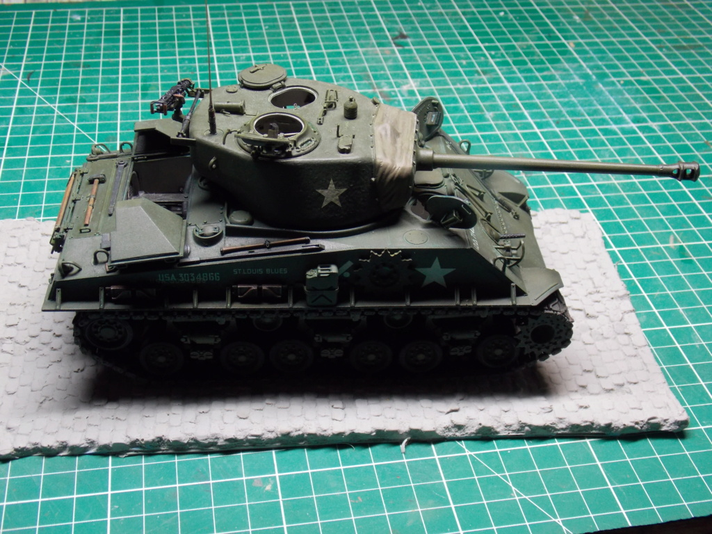 Sherman M4A3 76W HVSS with full interior RFM 1/35 - Page 10 Dscn8674