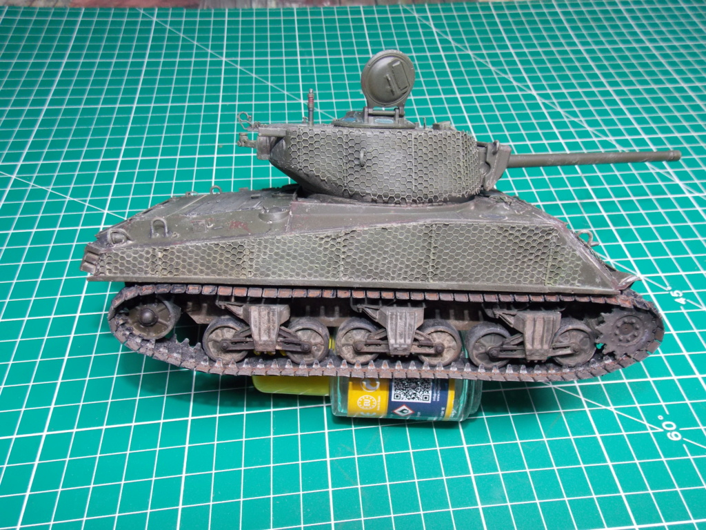 Sherman M4A3 76W HVSS with full interior RFM 1/35 - Page 11 Dscn8699