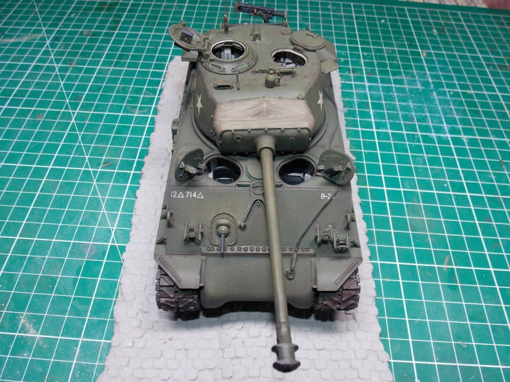 Sherman M4A3 76W HVSS with full interior RFM 1/35 - Page 11 Dscn8713