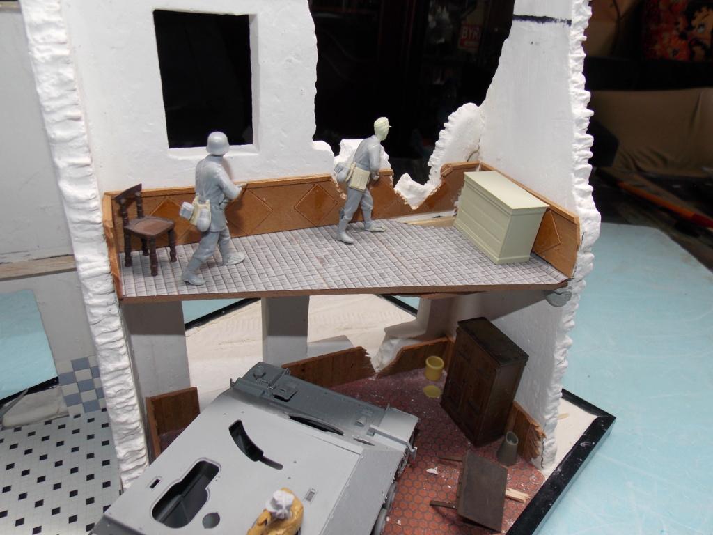 Guet-apens  Jadpanzer IV L48 / figurines DRAGON / décor perso  1/35  FINI  - Page 2 Dscn8980