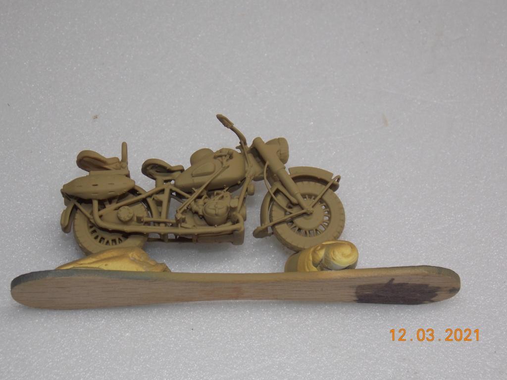 Motocyclette BMW R 75  1/35 Résine - Page 2 Dscn9054