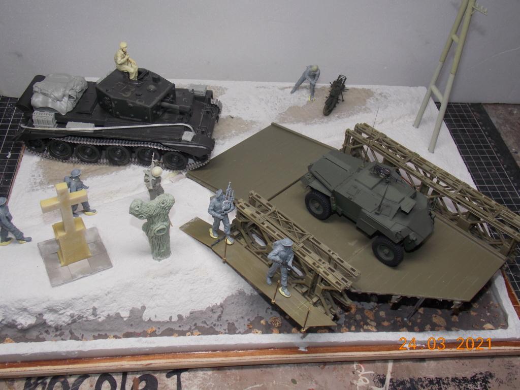 """""""Par ici Messieurs """"   Centaur /Triumph/Humber MK I /pont Bailey  1/35 - Page 4 Dscn9074"""
