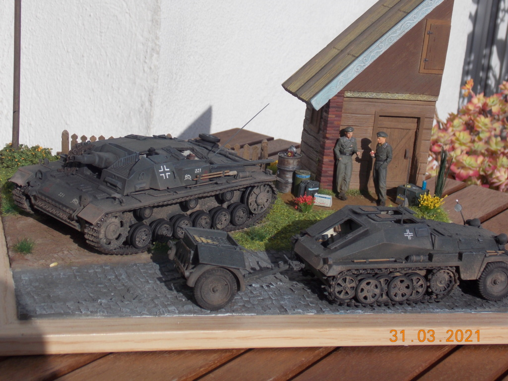 Quelque part sur le front de l'Est Juin 41 - Stug III Ausf.B (Tamiya ) et Sd.Kfz.252 (Dragon ) 1/35 - Page 9 Dscn9089