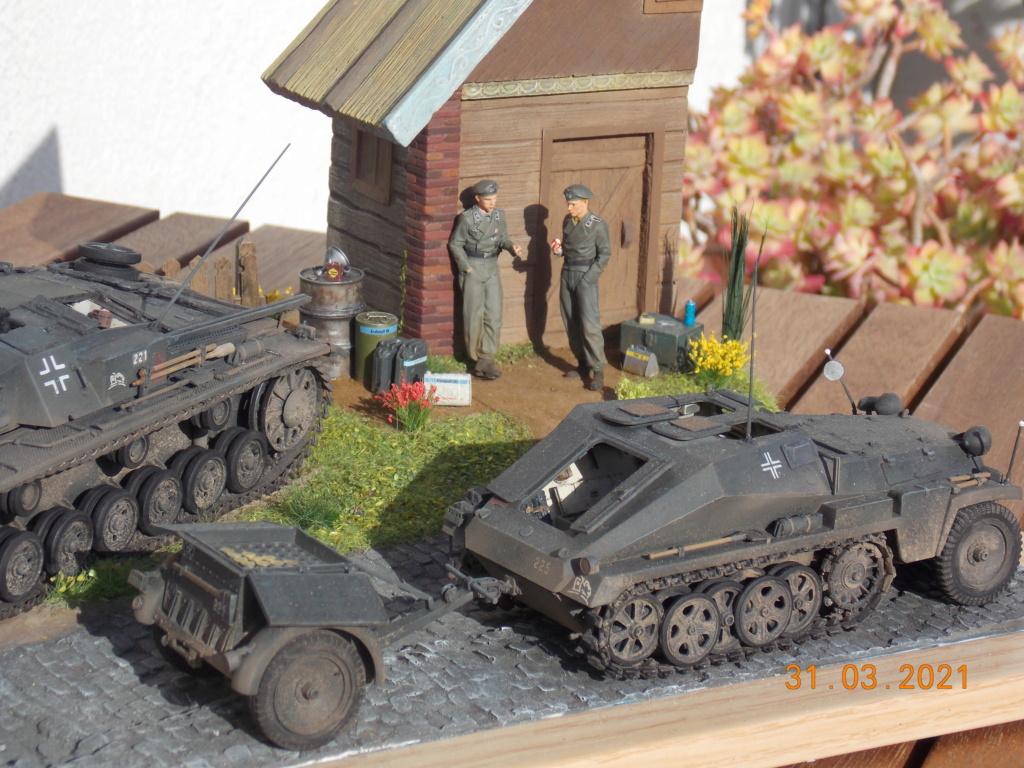 Quelque part sur le front de l'Est Juin 41 - Stug III Ausf.B (Tamiya ) et Sd.Kfz.252 (Dragon ) 1/35 - Page 9 Dscn9090
