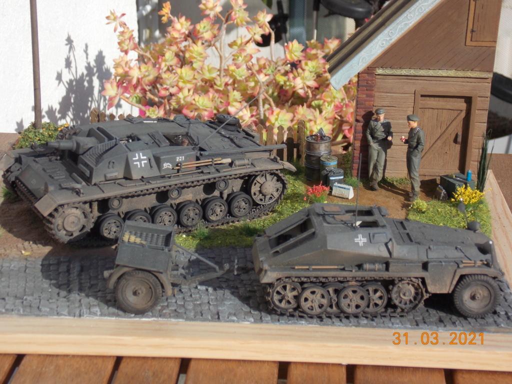 Quelque part sur le front de l'Est Juin 41 - Stug III Ausf.B (Tamiya ) et Sd.Kfz.252 (Dragon ) 1/35 - Page 9 Dscn9091