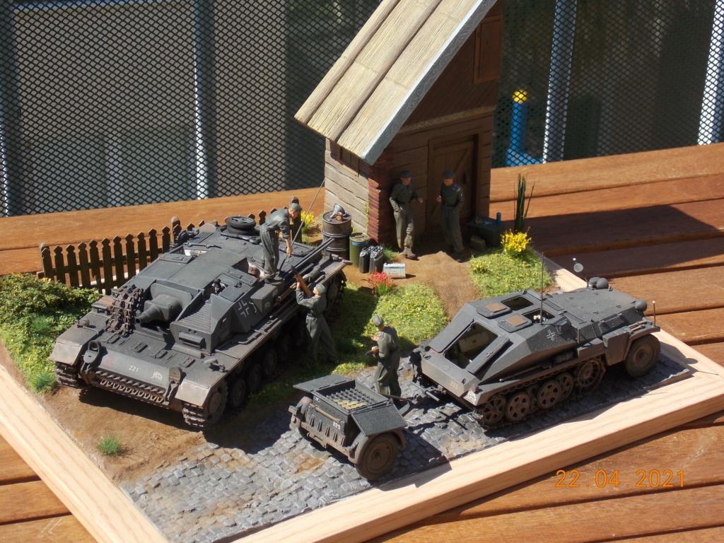 Quelque part sur le front de l'Est Juin 41 - Stug III Ausf.B (Tamiya ) et Sd.Kfz.252 (Dragon ) 1/35 - Page 10 Dscn9111
