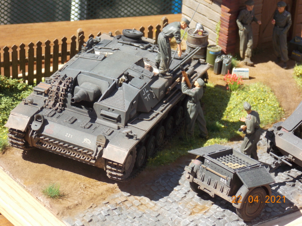 Quelque part sur le front de l'Est Juin 41 - Stug III Ausf.B (Tamiya ) et Sd.Kfz.252 (Dragon ) 1/35 - Page 10 Dscn9113