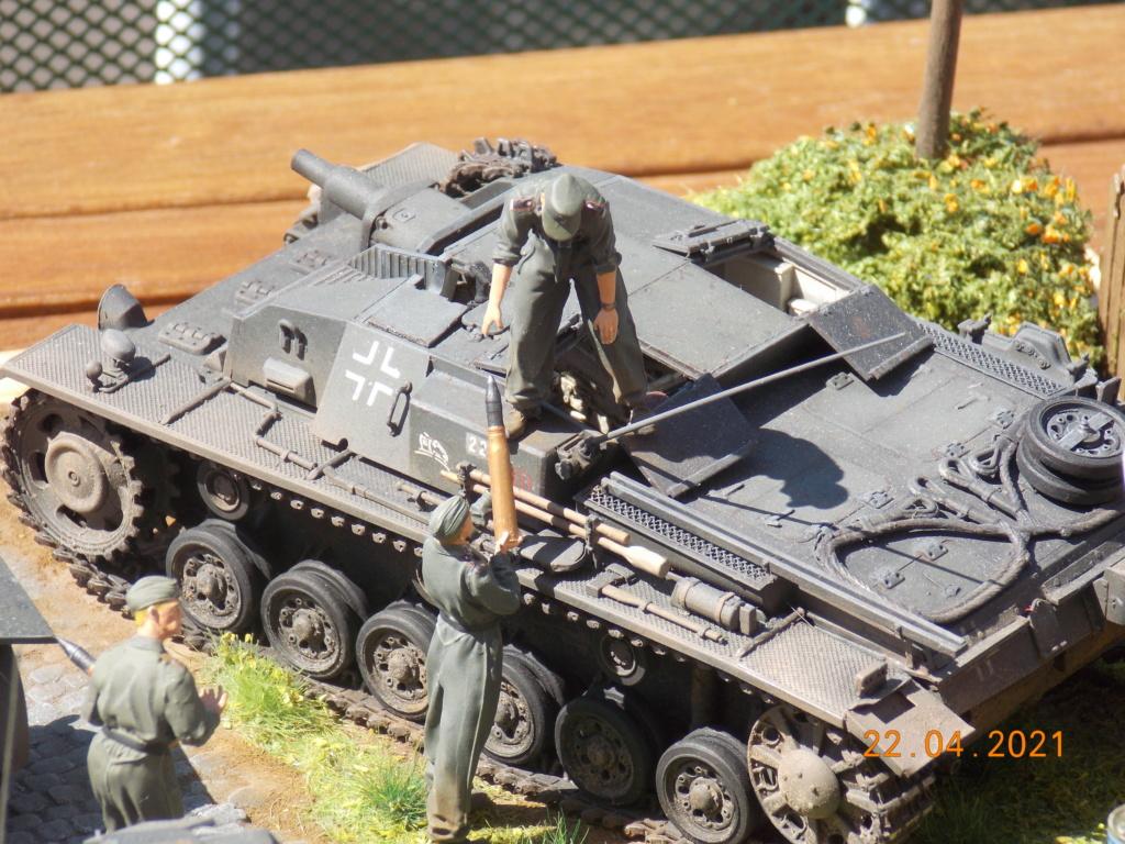 Quelque part sur le front de l'Est Juin 41 - Stug III Ausf.B (Tamiya ) et Sd.Kfz.252 (Dragon ) 1/35 - Page 10 Dscn9115