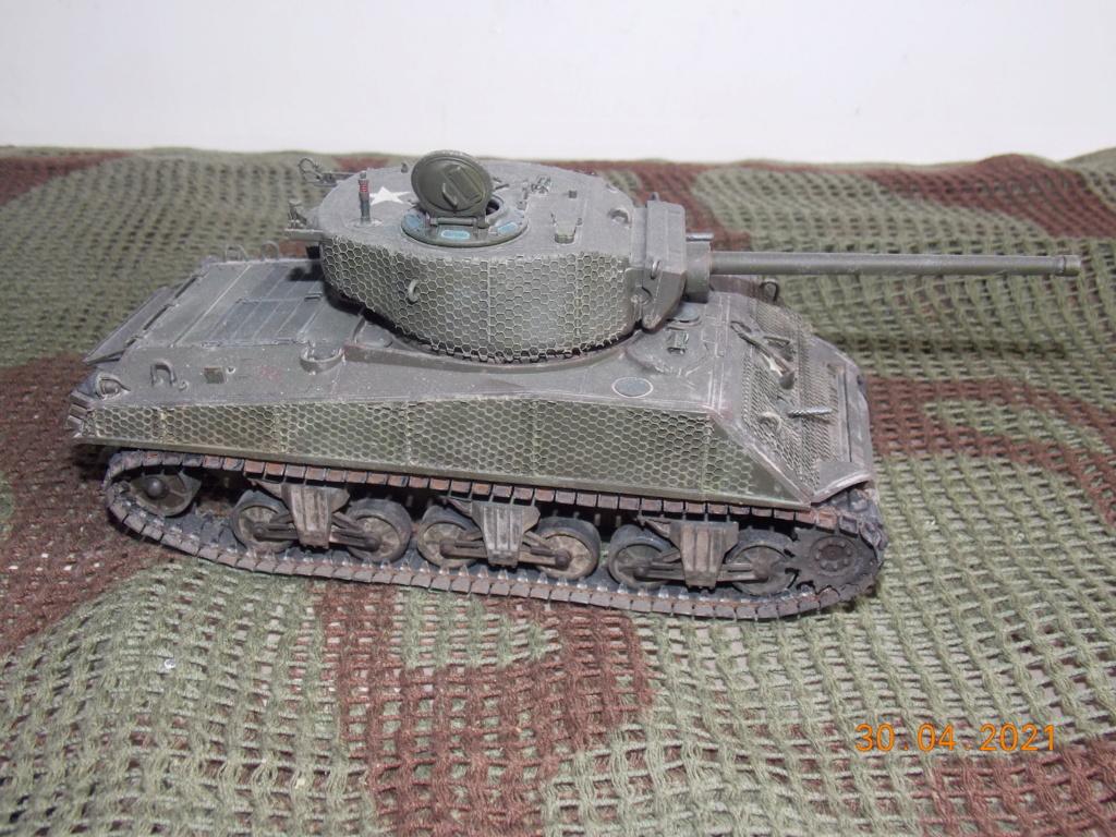 [Terminé] M4A3E2 Sherman 'Jumbo' [Tasca 35-021] - 1/35 - Page 2 Dscn9119