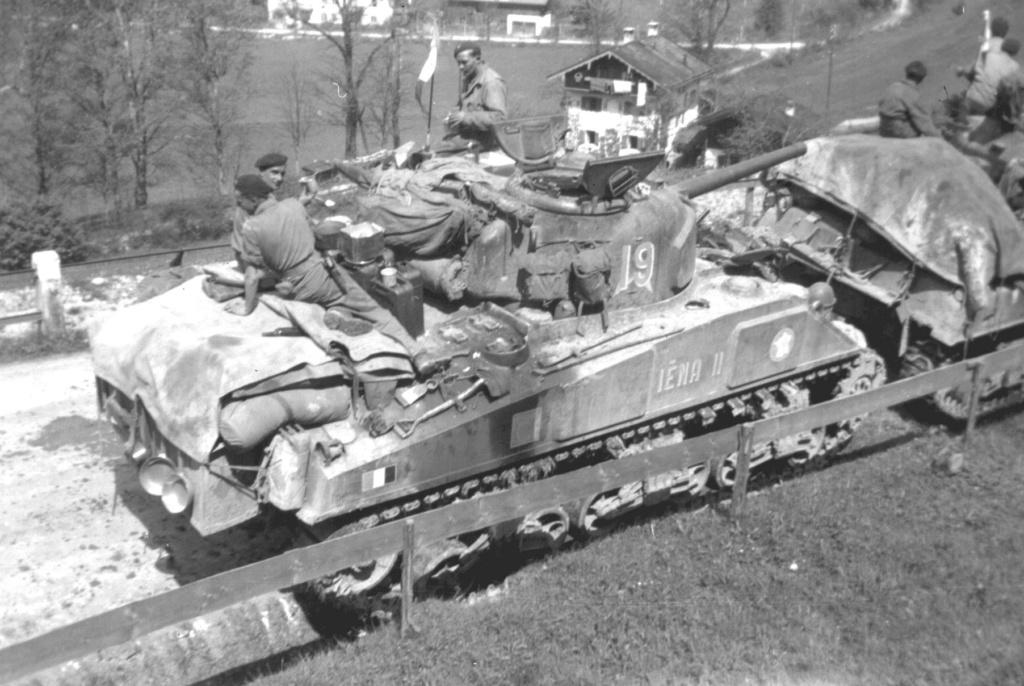 """Recherche information sur le char """"Petitmont"""" Iena2_10"""
