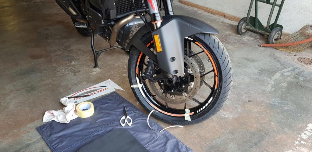 Pose stiker de roue 1290 sas  20200315