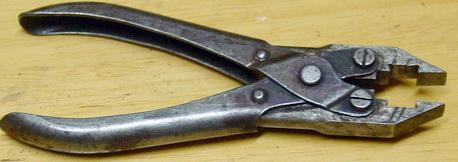 Pince à couper et percer les courroies Pince-11