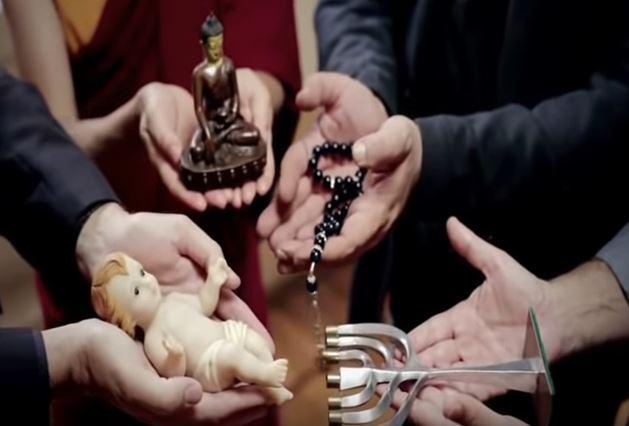 Image choquante (Clip vidéo du Pape François)  Clippa10