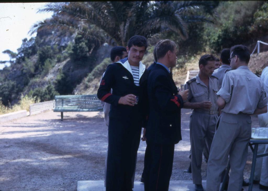 [Les écoles de spécialités] École de plongée de la Marine - Page 3 Www_ki24