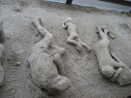 [Jeu] Association d'images - Page 20 Pompei10