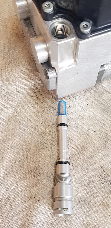 Des filtres dans le modulateur pression ABS intégral ! 12041510