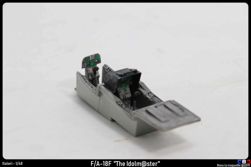 """Montage du F/A-18F """"The Idolmaster"""",  1/48 Montag92"""