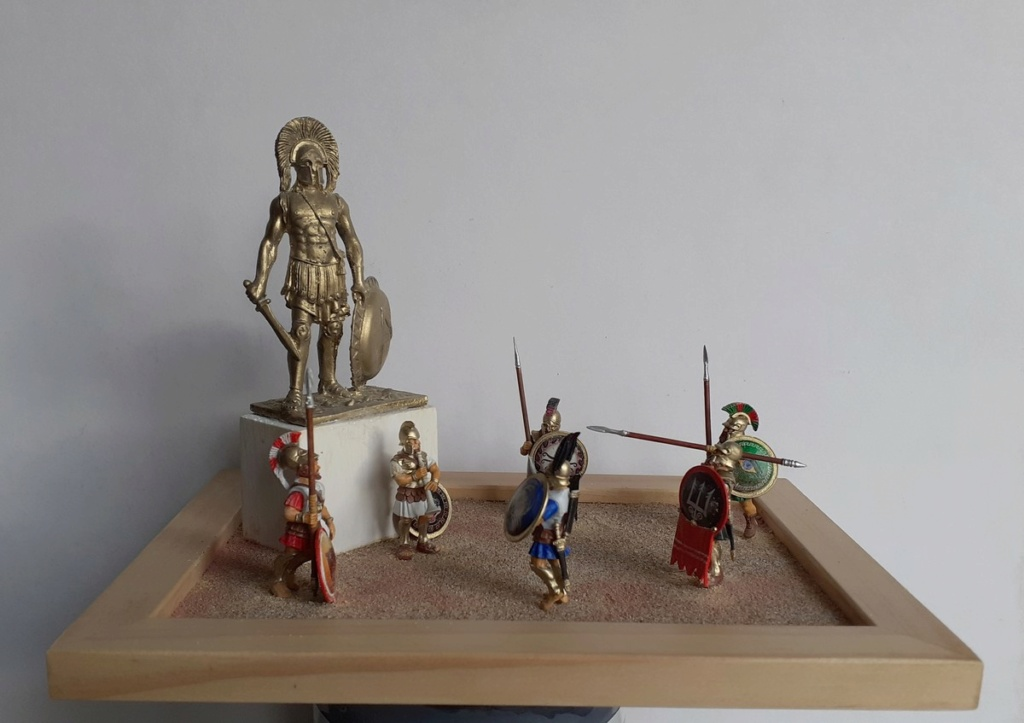 Gloire à LEONIDAS (figurines Victrix 40mm et EK Casting 70mm) 20200810