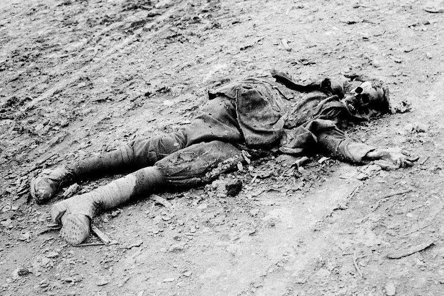 Pas-à-pas, Verdun 1916- Relève à Vaux Chapitres (1/35) terminé (p7) - Page 3 B_horr10