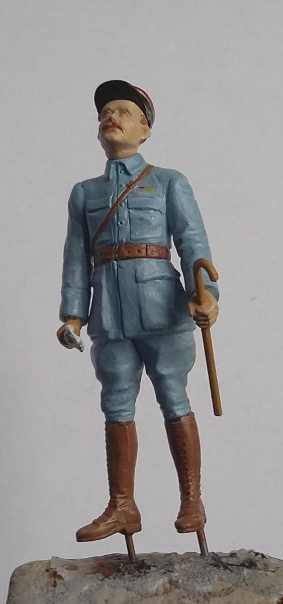 Mon premier pas à pas:Officier français et trophés de guerre-Paris 1918 au 1/35 (terminé !!!) - Page 2 Dio_3011