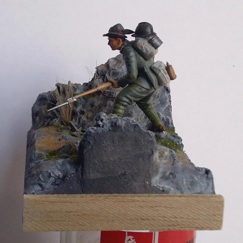 """Petit pas à pas - Légionnaire tchèque dans l'armée italienne-Doss Alto 1918 au 1/35 """"terminé"""" Dio_3312"""