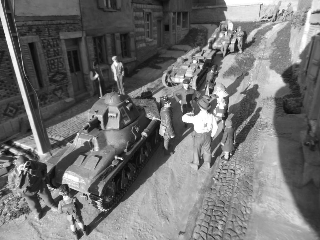 """""""la Neuville au pont""""  juin 40 -[heller]Hotchkiss , Renault,[mirage] chenillette UE 1/35  """"FIN"""" - Page 2 Dscf9310"""