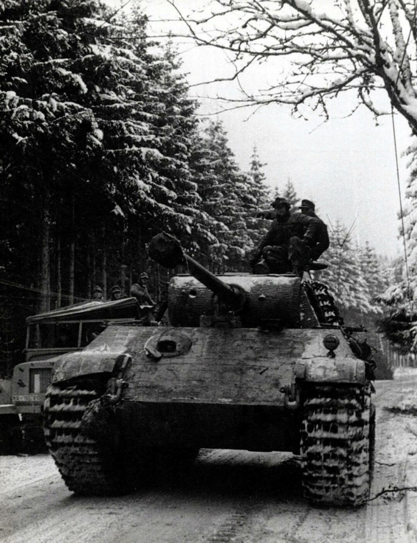 Panther Ausf G de Ernst Barkmann - bataille des Ardennes - Tamiya - 1/35 0569810