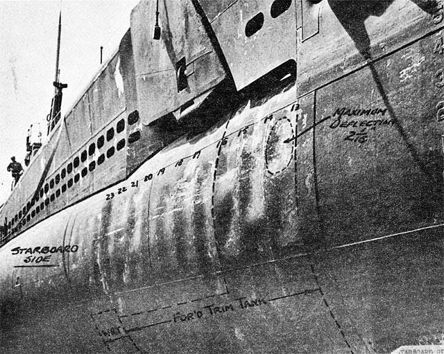 Diorama du U-588 en cale sèche au 1/72 21826910