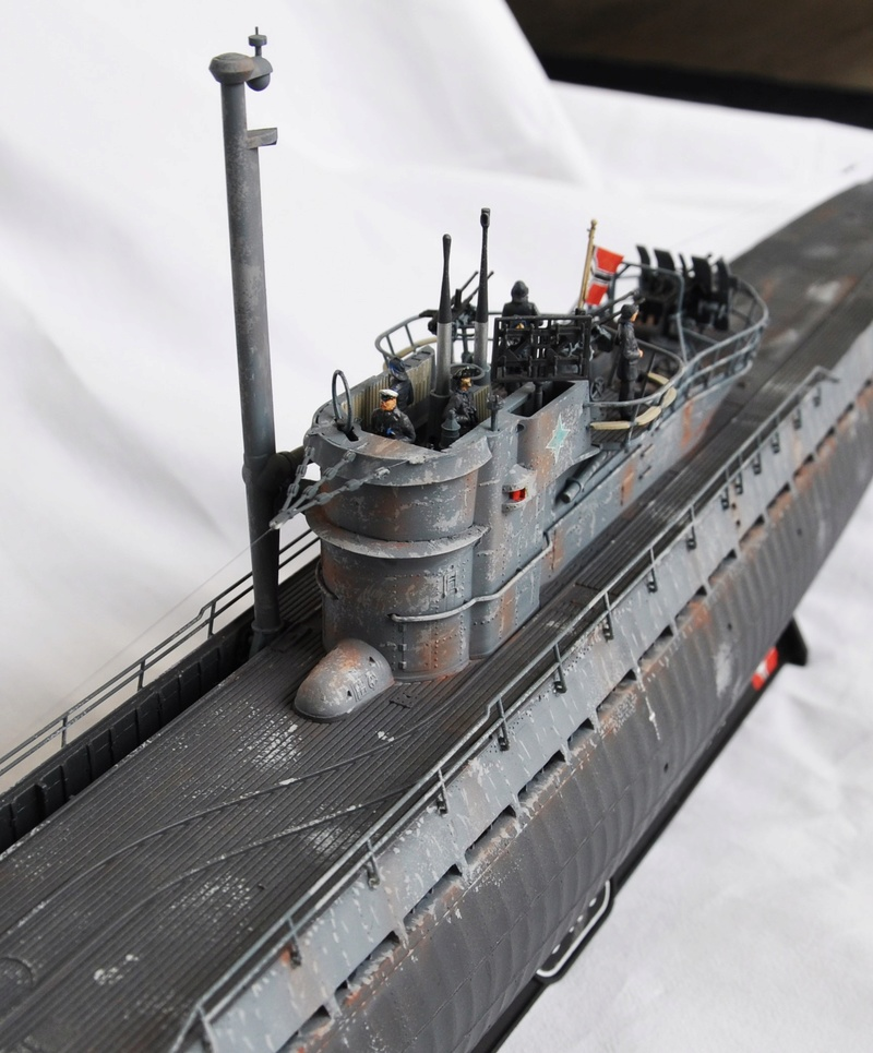 U-boot typ IX C/40 (U-190) Revell 1/72 - Page 2 Dsc_0021