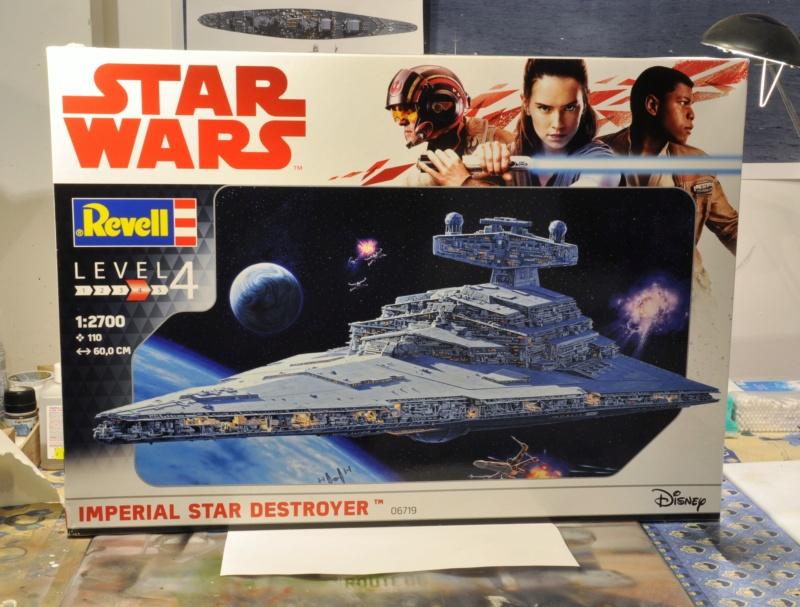Imperial Star Destroyer - Star Wars - Revell - 1/2700 Dsc_1212