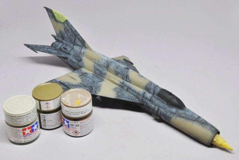 Mikoyan-Gourevitch MiG-21 MT/SMT - Eduard -1/48 (Concours Fighter) Dsc_1475