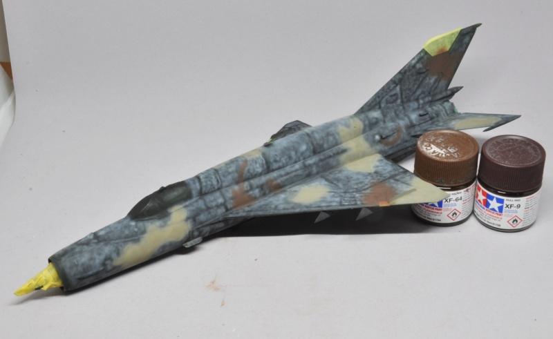 Mikoyan-Gourevitch MiG-21 MT/SMT - Eduard -1/48 (Concours Fighter) Dsc_1476